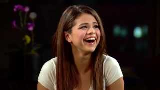 Download Selena Gomez Cries In An Interview With The Hot Hits Over Fan Video Video