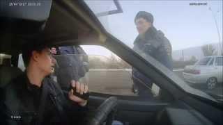 Download Дерзкий ГАИшник со справкой получил по шапке!!!))) (От студента!!!) Video