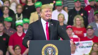 Download IA Trump Rallygoers Chant 'Lock Her Up' at Dianne Feinstein Video