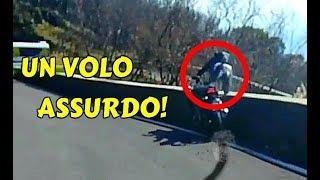 Download A 120 km/h CONTRO IL MURO   CADE GIÙ DAL VESUVIO! Video