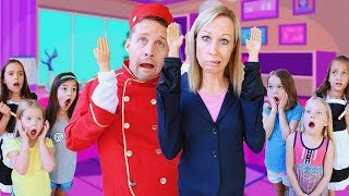 Download Toy Hotel Workers Have Tiny Hands !!! Video