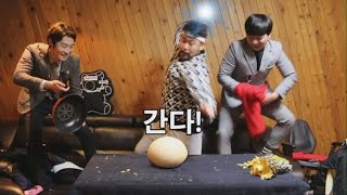 Download [타조알,코코넛 깨기] Breaking Ostrich Egg (ENG/JPN) - 쿠쿠크루(Cuckoo Crew) Video
