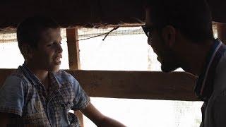 Download No Líbano, dois irmãos sírios desafiam deficiência visual pela educação Video