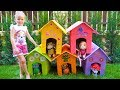 Download Stacy builds new playhouses for her favorite toys Video