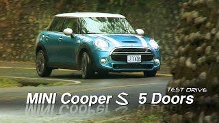 Download MINI COOPER S 5 Doors 經典外型碰上五門設計 試駕 Video