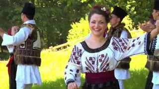 Download Laura Olteanu-Cand merg la joc in sat Video