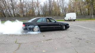 Download Mercedes OM606 turbo burnout with stock 177ps engine ! Video