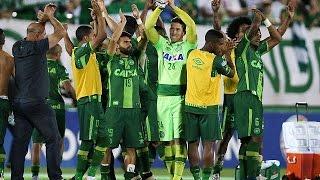 Download Plusieurs joueurs d'un club brésilien tués dans un crash d'avion en Colombie Video