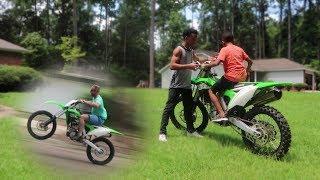 Download 11 Year Old Rides KX250f + Wheelies!! Video