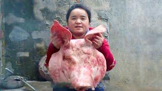 Download 苗大姐来个15斤的大猪头,卤好拌起来,卤水汤泡饭,好吃到不行 Video