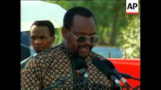 Download SOUTH AFRICA: SOWETO: CUBAN LEADER FIDEL CASTRO VISIT Video