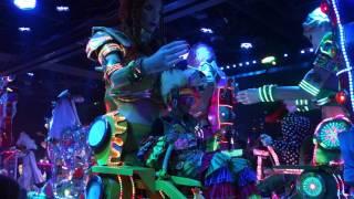 Download la parade du robot restaurant Video