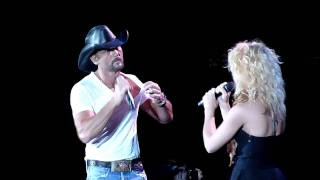Download Tim Mcgraw Kicks out Fan before duet with Band Perry Gorge, WA 6/18/2011 Video