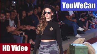 Download Hazel Keech walks the ramp for boyfriend Yuvraj Singh's fashion brand YouWeCan. Video
