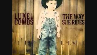 Download I know she aint ready luke combs Video