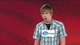 Download Peter Jihde snor en guldbiljett till supernervösa Andreas i Idol 2008 - Idol Sverige (TV4) Video