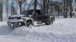 Download Lifted Dodge Ram 35s Meets Friendly Police Officer Video