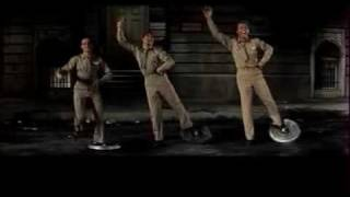 Download It's always fair weather - Gene Kelly (trash can) Video