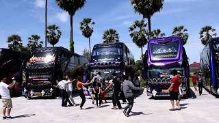 Download ขบวนรถบัส 8บัส โดย นภาพร ทราเวล บุกร้านชิดชนกเพชรบุรี เครื่องเสียงกระหึ่มกันไปป!!! Video