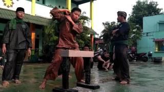 Download Pagar nusa spj tes kekuatan tingkat 1 memecahkan batu haebel dg tangan dan kepala. Video