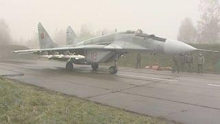 Download Лукашенко посетил 61-ю истребительную авиационную базу в Барановичах Video
