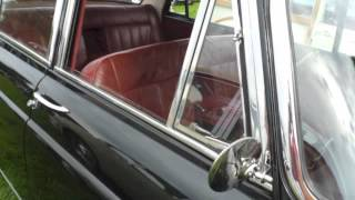Download 1950s Morris Oxford Up Close Video