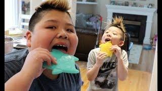 Download Kids Eating Carolina Reaper Jerky Video