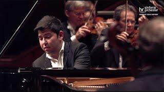 Download Schostakowitsch: 1. Klavierkonzert ∙ hr-Sinfonieorchester ∙ Behzod Abduraimov ∙ Aziz Shokhakimov Video