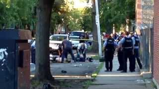 Download ″EXECUTION -STYLE″ MURDER IN WEST-HUMBOLDT PARK-CHICAGO POLICE(25TH DIST.) RAPIDLY RESPOND Video