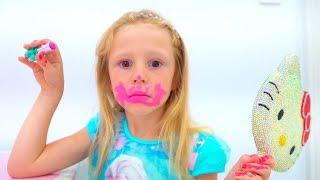Download Stacy está aprendiendo a usar cosméticos para bebés. Video