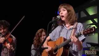 Download Molly Tuttle ″Gentle On My Mind″ Video