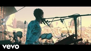 Download Youngr - Out Of My System (Live At Fieldview Festival) Video