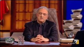 Download Crozza-De Luca: questo Paese deve tutto ad Agnese moglie di Gualtiero Renzi Video