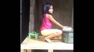 Download Filipino funny video-ang batang taeng tae na Video