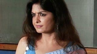 Download Sexy Teacher Enters The Class - Humne Jeena Seekh Liya Video