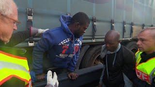 Download Unterm Güterzug über den Brenner: Die neue Flüchtlingsroute Video