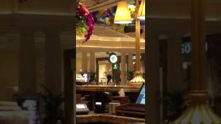Download Bellagio lobby robbery Video