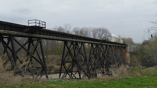 Download Live Streaming Norfolk Southern Train Going Over Huge Trestle Video