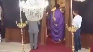 Download Ο Μπένι Χιλ στην εκκλησία Video
