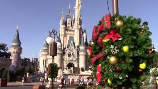 Download Cinderella Castle & Main Street U.S.A. Christmas Decor 2016 (Daytime) - The Magic Kingdom Video