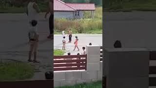 Download Brutalne zrazeny cigan v plnej rychlosti Video