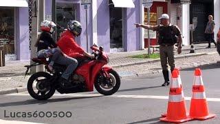 Download Blitz pega várias motos em Curitiba Video