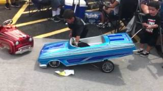 Download Shorty's pedal car at the show Video