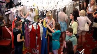 Download Girls on Central Fashion Market (Minsk, Belarus) Video