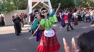 Download A Musical Celebration of 'Coco' - FULL SHOW 2017 at Disney California Adventure Park Video