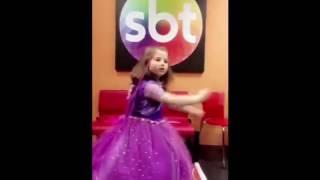 Download Meninas de carinha de anjo cantando a música ″ BORBOLETINHA ' Video