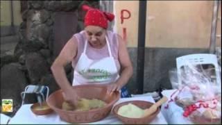 Download La fregola sarda (Italy - Sardegna - Medio Campidano V4B) Video
