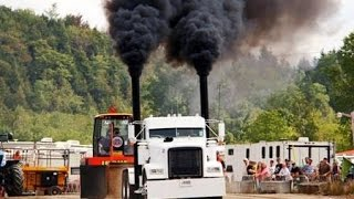 Download Semi Truck Pulls at Richmond Québec Canada 2015 Video