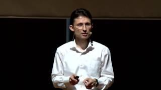 Download Yedi Yılda Bir | Barış Özcan | TEDxBahcesehirUniversity Video
