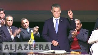 Download Colombia's government signs revised agreement with FARC Video